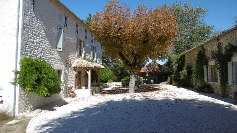 http://www.labordeneuvegite.com-Welcome to Laborde Neuve a 200 year old farmhouse tucked away in the Quercy Blanc area of the Lot in the South West of France. Located in beautiful countryside, the house lies near Montcuq on the Lot and Tarn et Garonne border. It is newly renovated to a high standard with all modern conveniences for 21st century living. Set in over 6 acres of maintained parkland, this is a nature lover's paradise and the ideal place for a relaxing holiday.